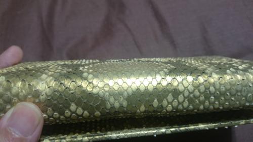 蛇革がはがれない最強のお財布
