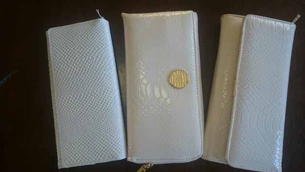 3つの白蛇財布